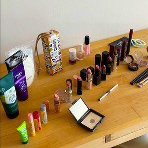 Giant Beauty Bundle (36 items)